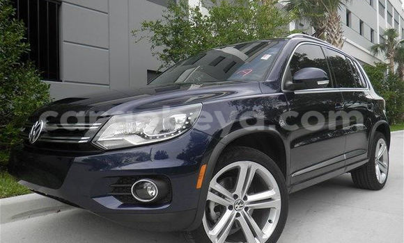 Buy Used Volkswagen Touareg Blue Car in Addis–Ababa in Ethiopia