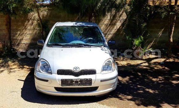 Buy Used Toyota Vitz Silver Car in Addis–Ababa in Ethiopia