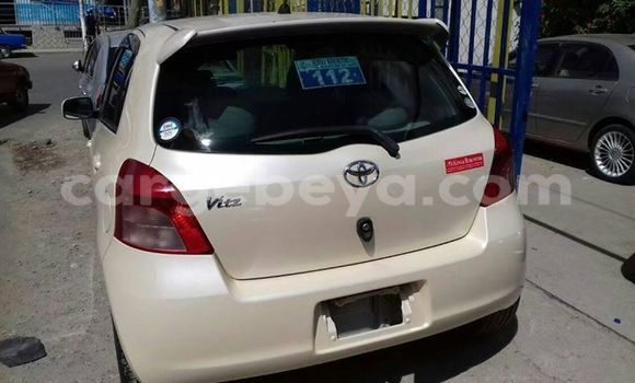 Buy Used Toyota Vitz White Car in Addis–Ababa in Ethiopia