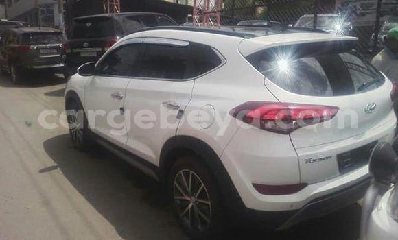 Buy Used Hyundai Tucson White Car in Addis–Ababa in Ethiopia