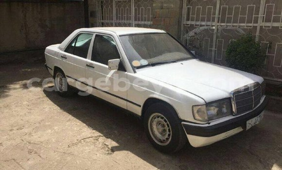 Buy Used Mercedes-Benz E-klasse White Car in Addis–Ababa in Ethiopia