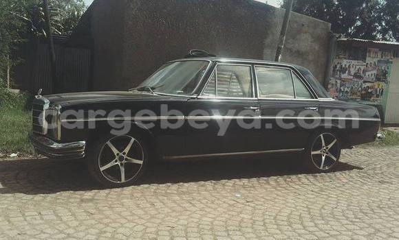 Buy Used Mercedes‒Benz 190–Series Black Car in Addis–Ababa in Ethiopia