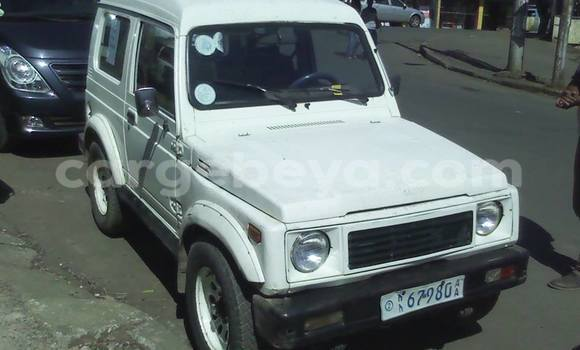 Buy Used Suzuki Jimny White Car in Addis Ababa in Ethiopia