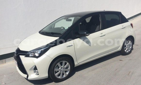 Buy Used Toyota Yaris White Car in Addis Ababa in Ethiopia