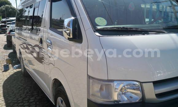 Buy Used Toyota HiAce White Truck in Addis–Ababa in Ethiopia