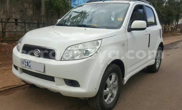 Buy Used Daihatsu Terios White Car in Addis–Ababa in Ethiopia