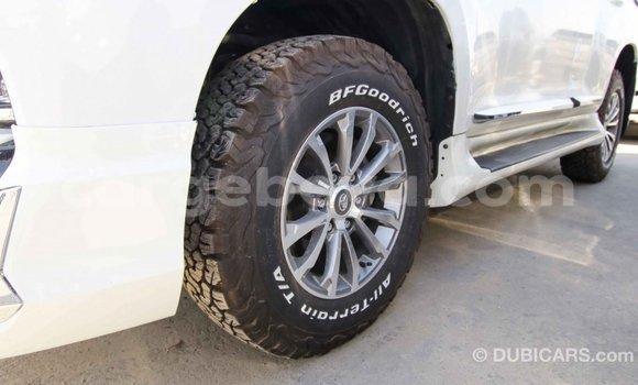 Acheter Importé Voiture Toyota Prado Blanc à Import - Dubai, Ethiopie