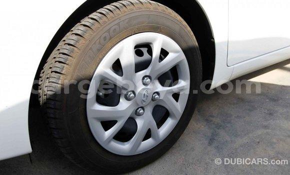 Acheter Importé Voiture Hyundai i10 Blanc à Import - Dubai, Ethiopie