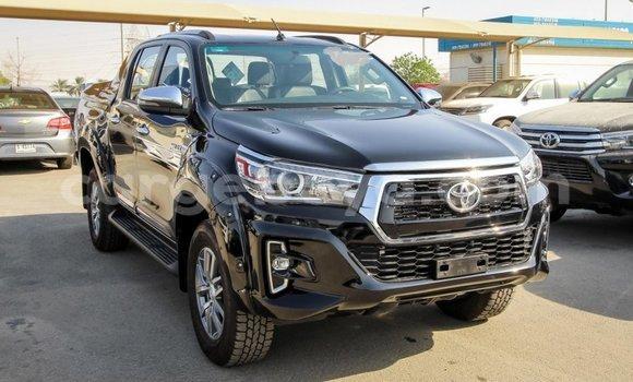 Imported Toyota Land Cruiser Black Makiinaa iti Import - Dubai keessatti Ethiopia keessatti