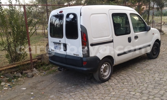Buy Used Renault Kangoo White Car in Addis–Ababa in Ethiopia