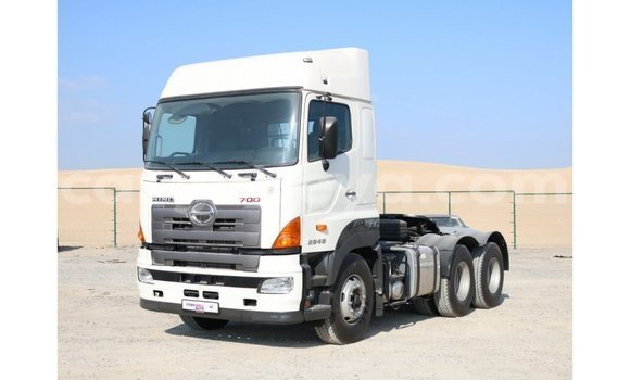 Buy Import Hino 300 Series White Truck in Import - Dubai in Ethiopia