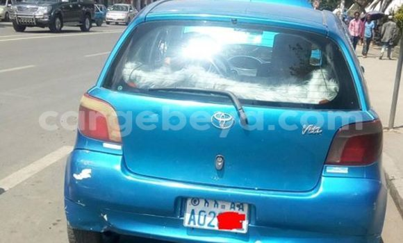 Buy Used Toyota Vitz Blue Car in Addis–Ababa in Ethiopia