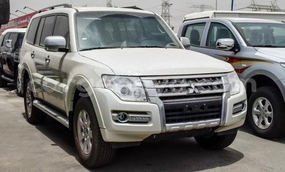 Buy Import Mitsubishi Pajero White Car in Import - Dubai in Ethiopia