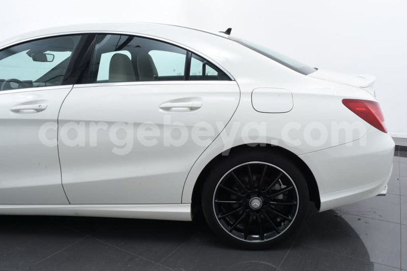 Big with watermark 2014 mercedes benz cla class pic 3058485024026518556 1024x768