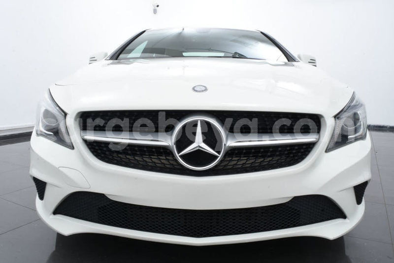 Big with watermark 2014 mercedes benz cla class pic 6055134081246019812 1024x768