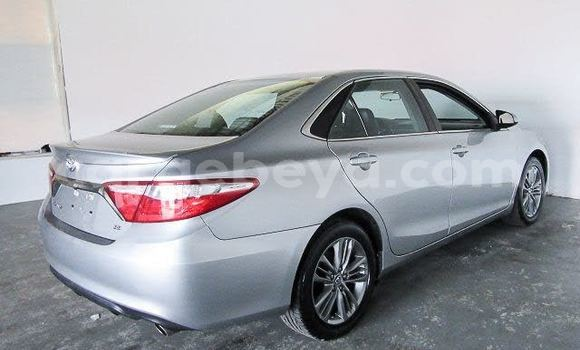 Medium with watermark 2016 toyota camry pic 1388031139844850126 1024x768