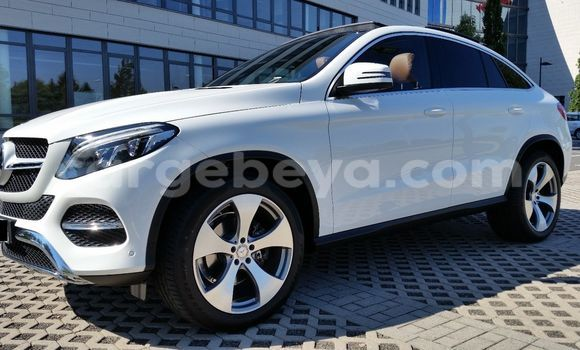 Buy Used Mercedes‒Benz GL–Class White Car in Addis–Ababa in Ethiopia