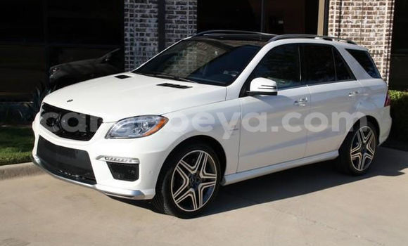 Buy Used Mercedes-Benz M–Class White Car in Addis–Ababa in Ethiopia