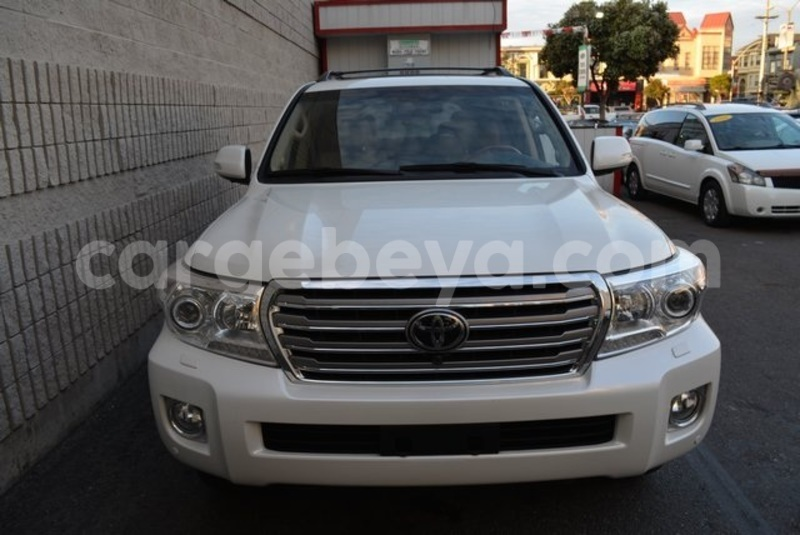 Big with watermark 2014 toyota land cruiser 2