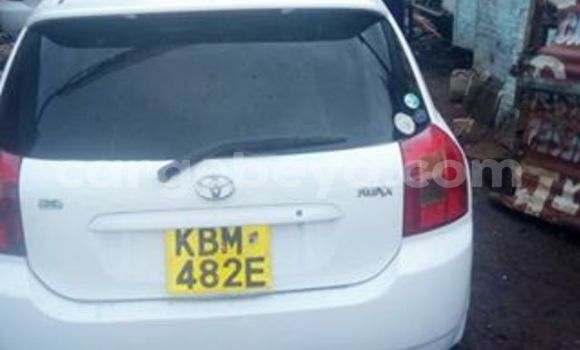 Buy Used Toyota Runx White Car in Addis–Ababa in Ethiopia