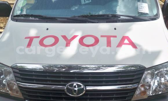 Buy Used Toyota Hilux White Car in Addis–Ababa in Ethiopia