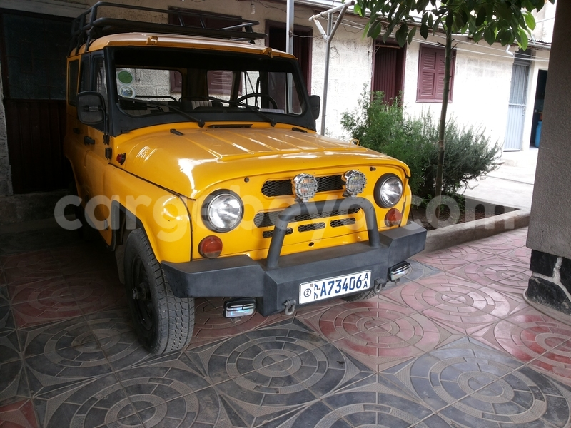 Big with watermark uaz jeep yellow
