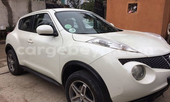 Buy Used Nissan Juke White Car in Addis–Ababa in Ethiopia