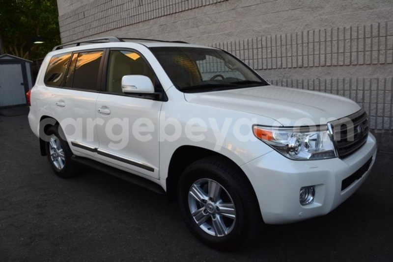 Big with watermark 2014 toyota land cruiser 8