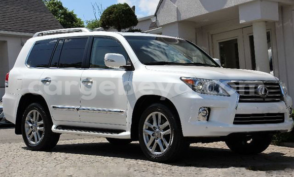 Buy Used Lexus LX 570 White Car in Kombolcha in Ethiopia