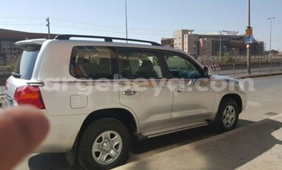 Buy Used Toyota 4Runner Silver Car in Addis Ababa in Ethiopia