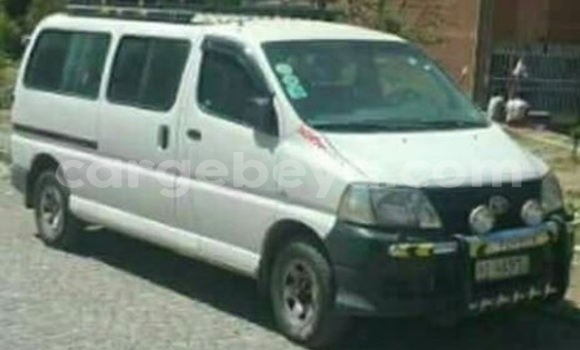 Buy Used Toyota Dolphin White Car in Addis–Ababa in Ethiopia