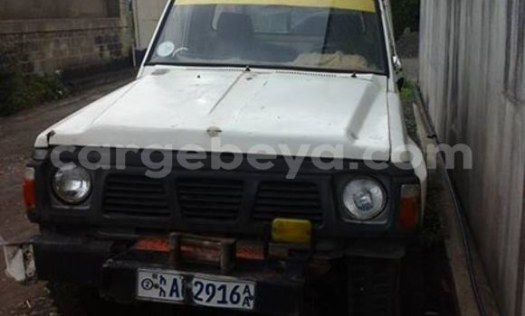 Buy Used Nissan Pickup White Car in Addis–Ababa in Ethiopia