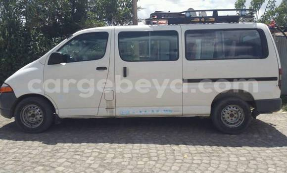 Buy Used Toyota Dolphin White Car in Addis Ababa in Ethiopia