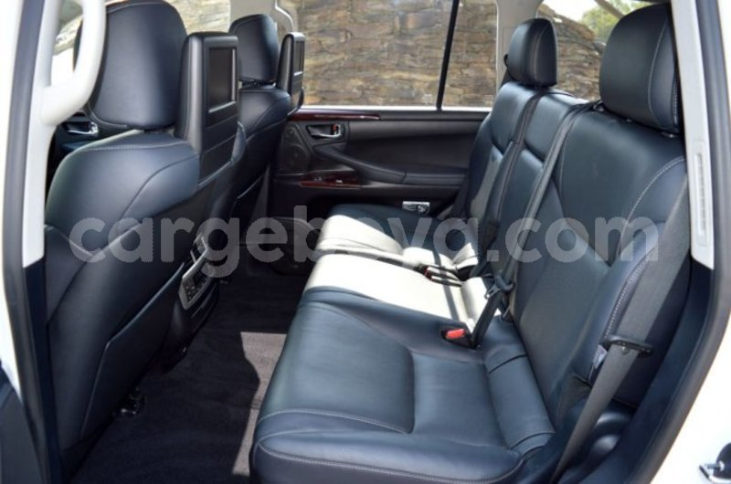 Big with watermark 4 2015 lexus lx 570