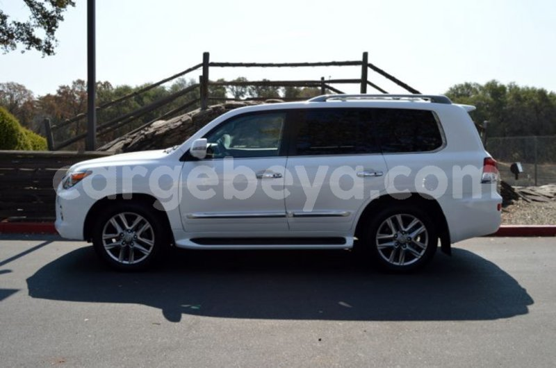 Big with watermark 2 2015 lexus lx 570