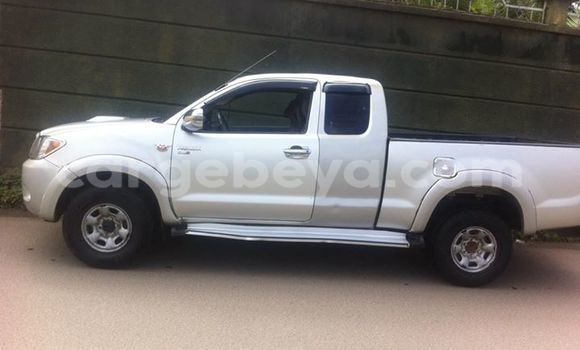 Buy New Toyota Pickup White Car in Addis–Ababa in Ethiopia