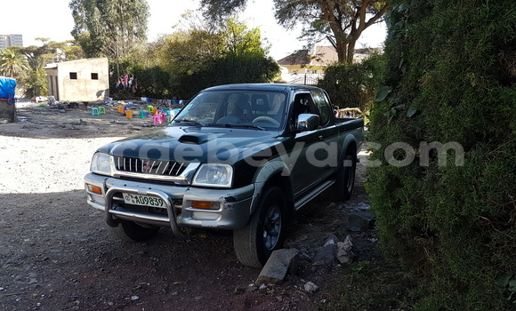 Buy Used Mitsubishi L200 Green Car in Addis–Ababa in Ethiopia