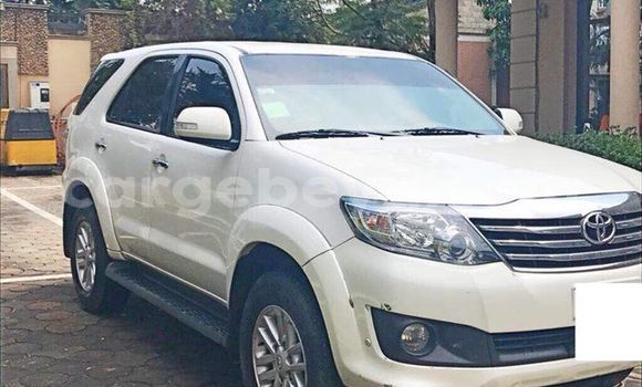 Buy Used Toyota Fortuner White Car in Addis–Ababa in Ethiopia
