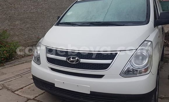 Buy Used Hyundai H1 White Car in Addis–Ababa in Ethiopia