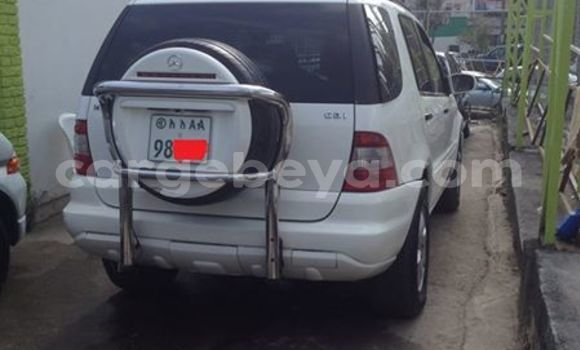 Buy Used Mercedes‒Benz ML-Class White Car in Addis–Ababa in Ethiopia