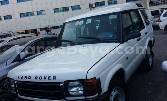 Buy Used Land Rover Discovery White Car in Addis–Ababa in Ethiopia
