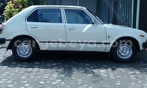 Buy Used Honda Civic White Car in Addis–Ababa in Ethiopia