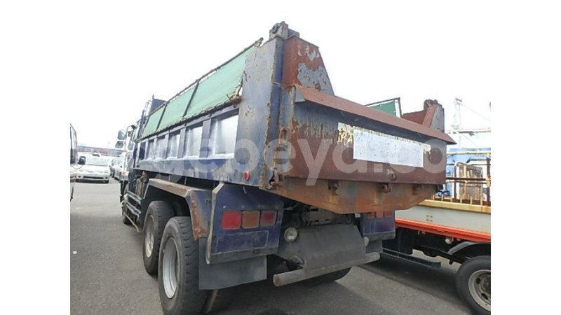 Big with watermark nissan evalia ethiopia import dubai 8228