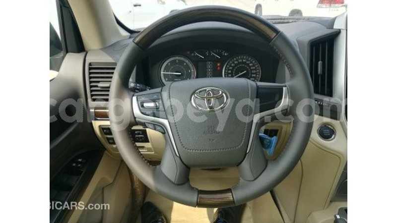 Big with watermark toyota land cruiser ethiopia import dubai 8371