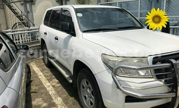 Buy Used Toyota Land Cruiser Prado White Car in Addis–Ababa in Ethiopia