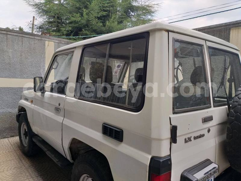 Big with watermark toyota land cruiser ethiopia addis ababa 8595