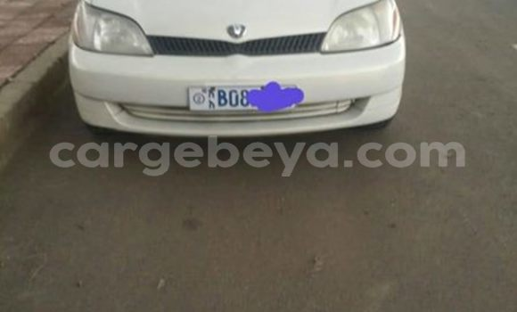 Buy Used Toyota Platz White Car in Addis–Ababa in Ethiopia