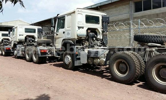 Buy New Sino Howo White Truck in Addis–Ababa in Ethiopia