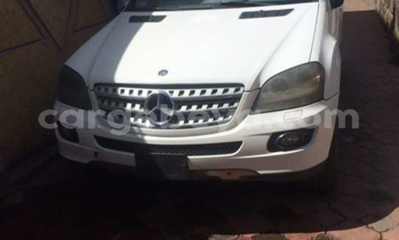 Buy Used Mercedes‒Benz ML–Class White Car in Addis–Ababa in Ethiopia